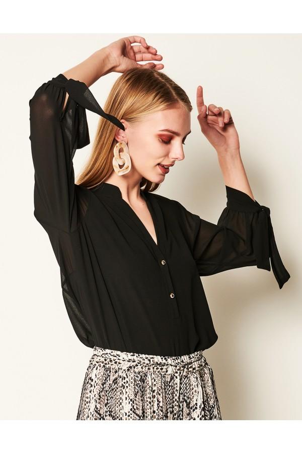 92988bb05a22 LYNNE Ασύμμετρη μπλούζα με φιόγκο 041-510004